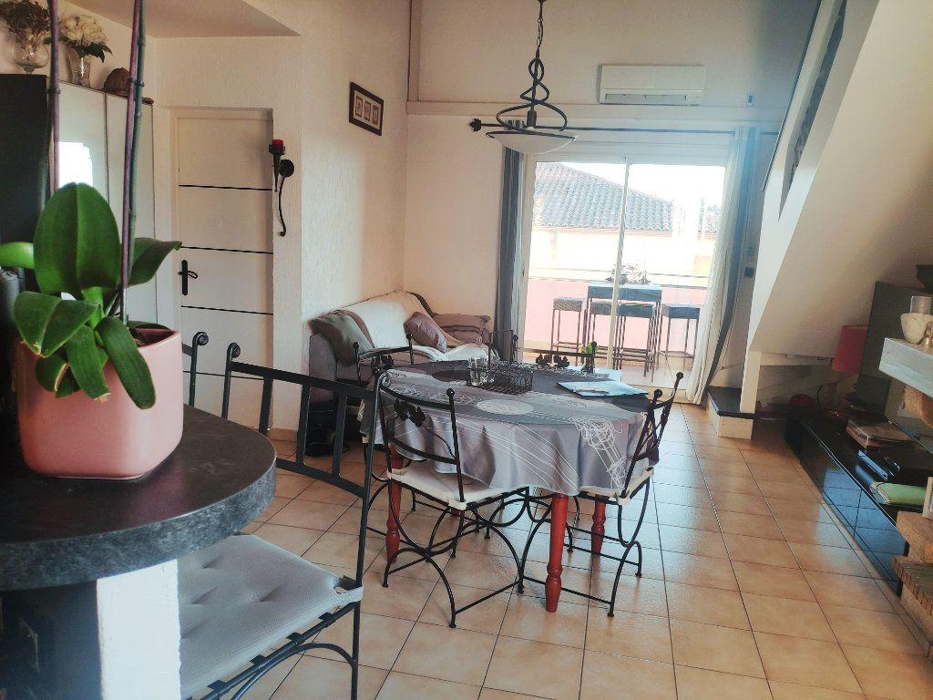 Appartement à vendre 5 94m2 à Six-Fours-les-Plages vignette-2