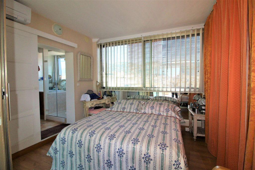 Appartement à vendre 4 98m2 à Toulon vignette-5