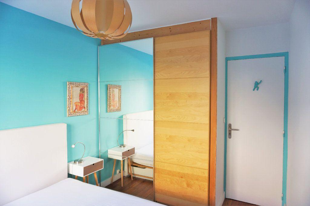Appartement à vendre 3 70m2 à Bandol vignette-3