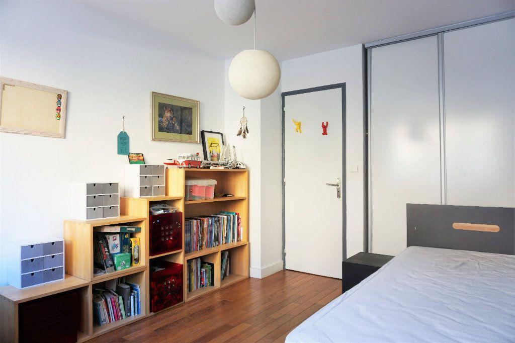 Appartement à vendre 3 70m2 à Bandol vignette-4