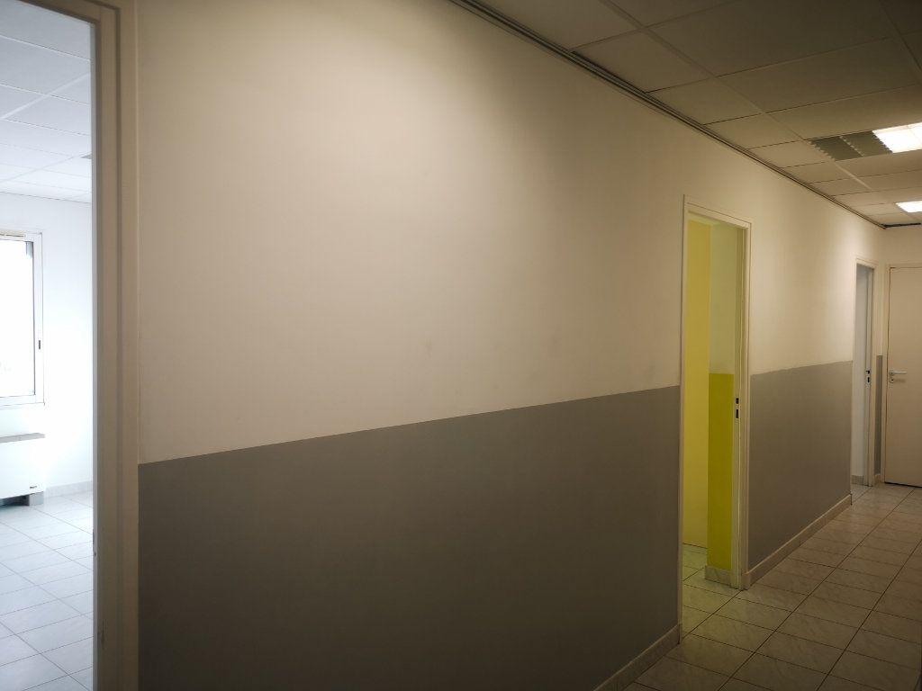 Appartement à louer 3 60.7m2 à Le Beausset vignette-5
