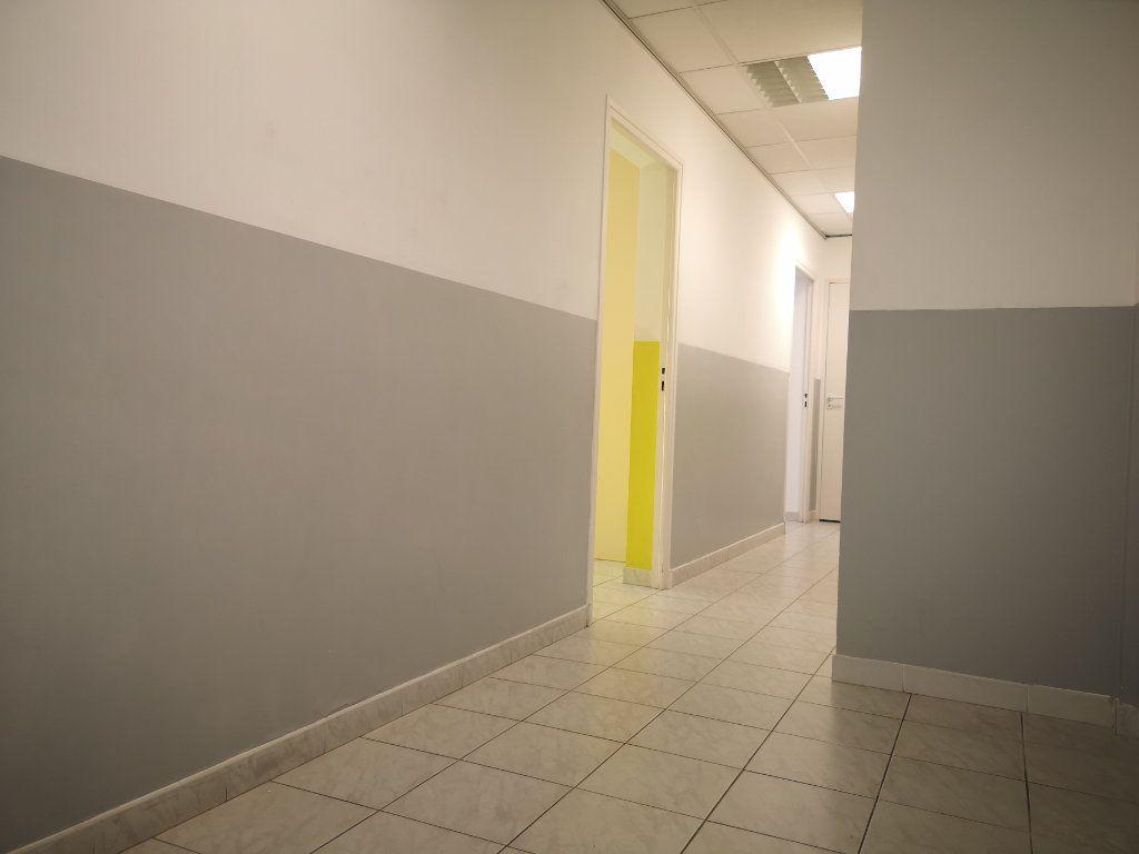 Appartement à louer 3 60.7m2 à Le Beausset vignette-6