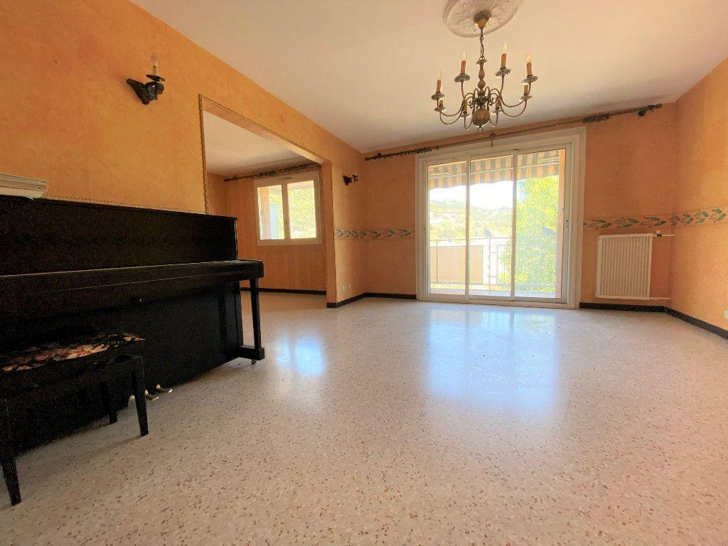 Appartement à vendre 4 85m2 à Toulon vignette-2