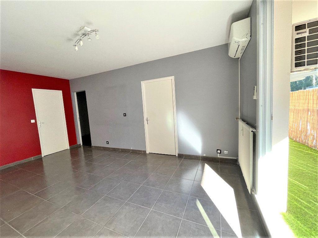 Appartement à vendre 3 63.47m2 à Toulon vignette-2