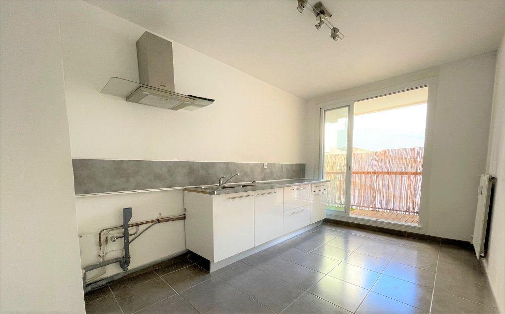 Appartement à vendre 3 63.47m2 à Toulon vignette-3