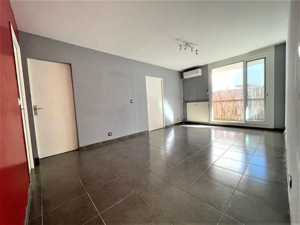 Appartement à vendre 3 63.47m2 à Toulon vignette-6