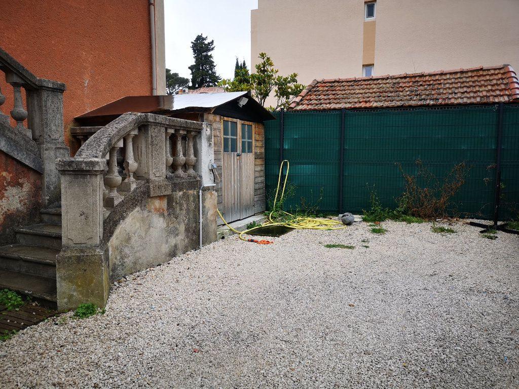 Appartement à louer 3 66m2 à Toulon vignette-2