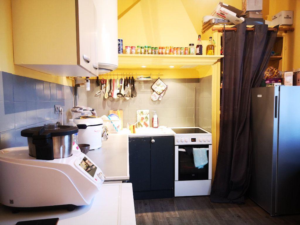 Appartement à louer 3 66m2 à Toulon vignette-5