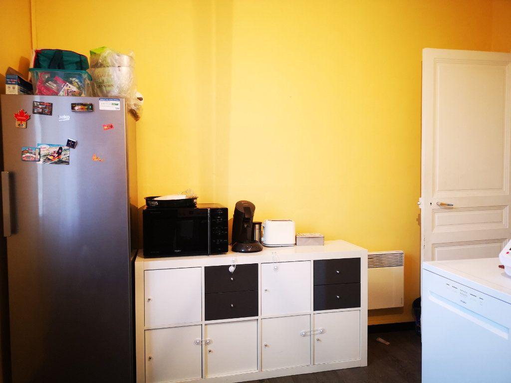 Appartement à louer 3 66m2 à Toulon vignette-6