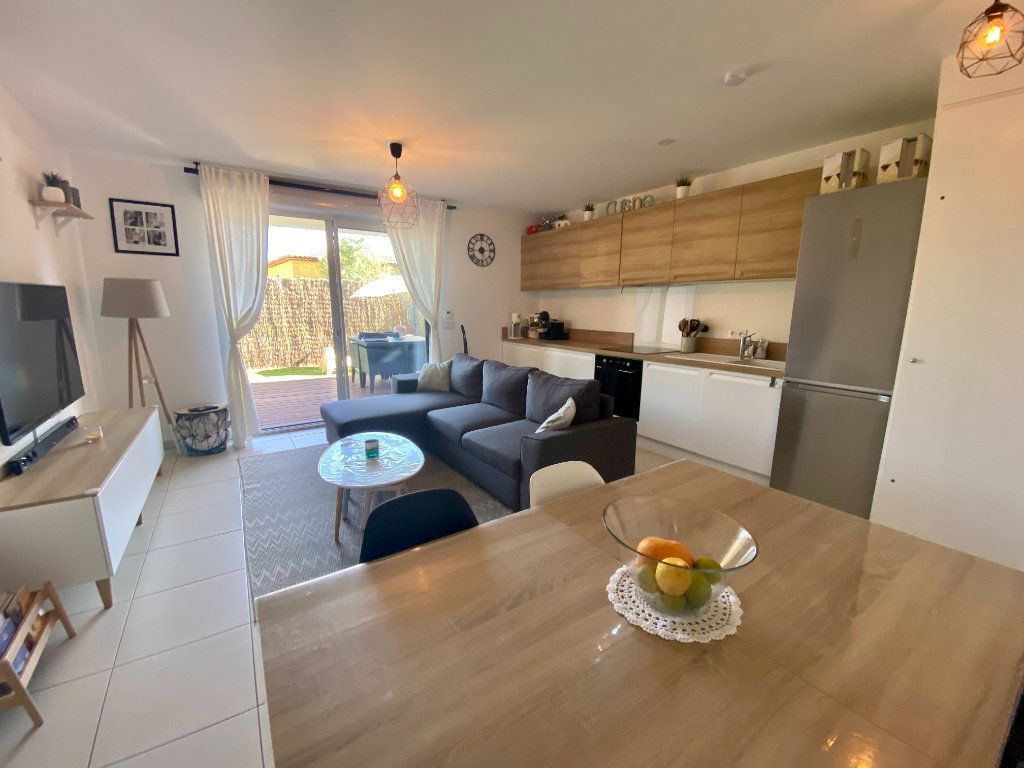 Appartement à vendre 3 61m2 à Toulon vignette-1