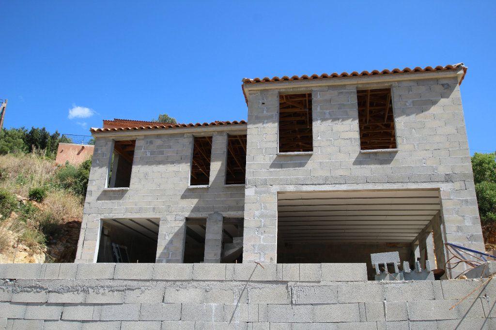 Maison à vendre 5 117m2 à Ollioules vignette-6