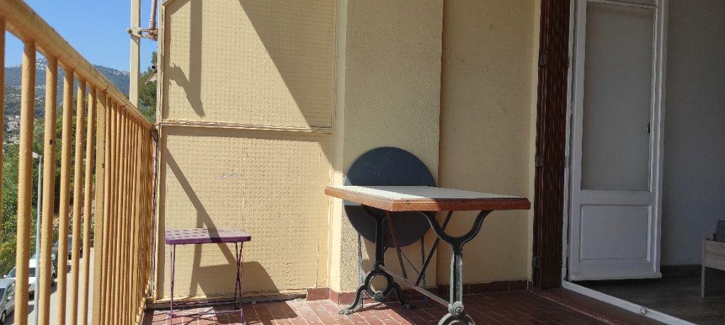 Appartement à louer 3 53.09m2 à Toulon vignette-3