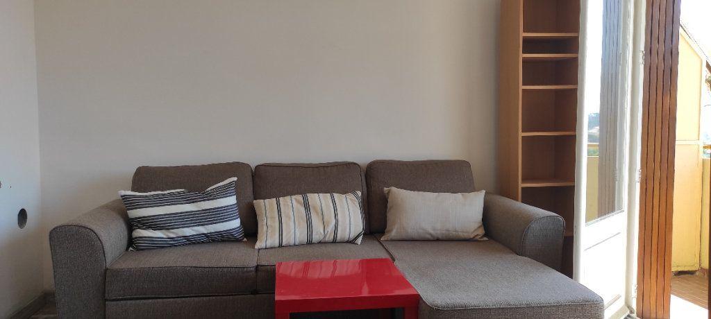 Appartement à louer 3 53.09m2 à Toulon vignette-10