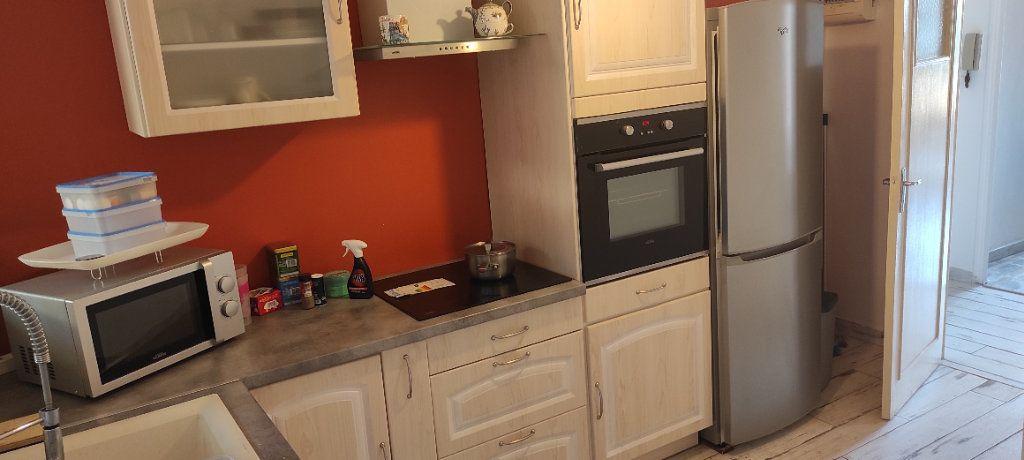 Appartement à louer 3 53.09m2 à Toulon vignette-12
