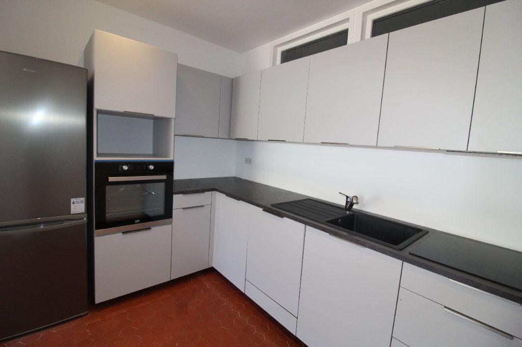 Appartement à louer 4 85.84m2 à Toulon vignette-3