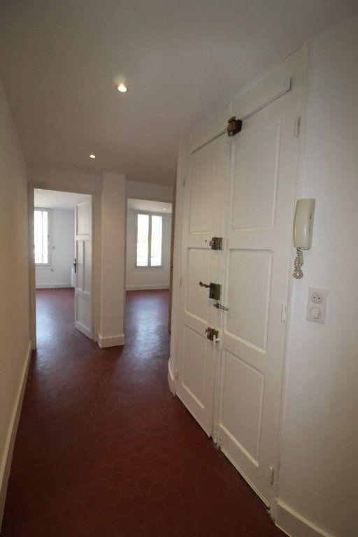 Appartement à louer 4 85.84m2 à Toulon vignette-4