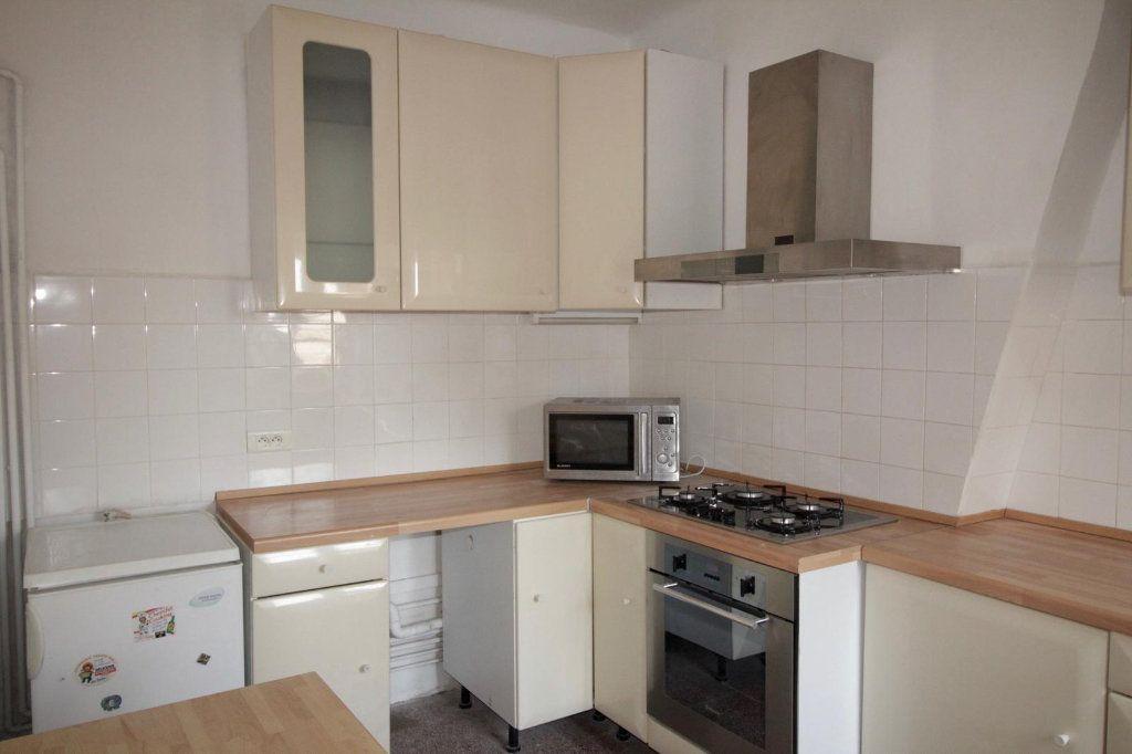 Appartement à louer 3 68.4m2 à Toulon vignette-1