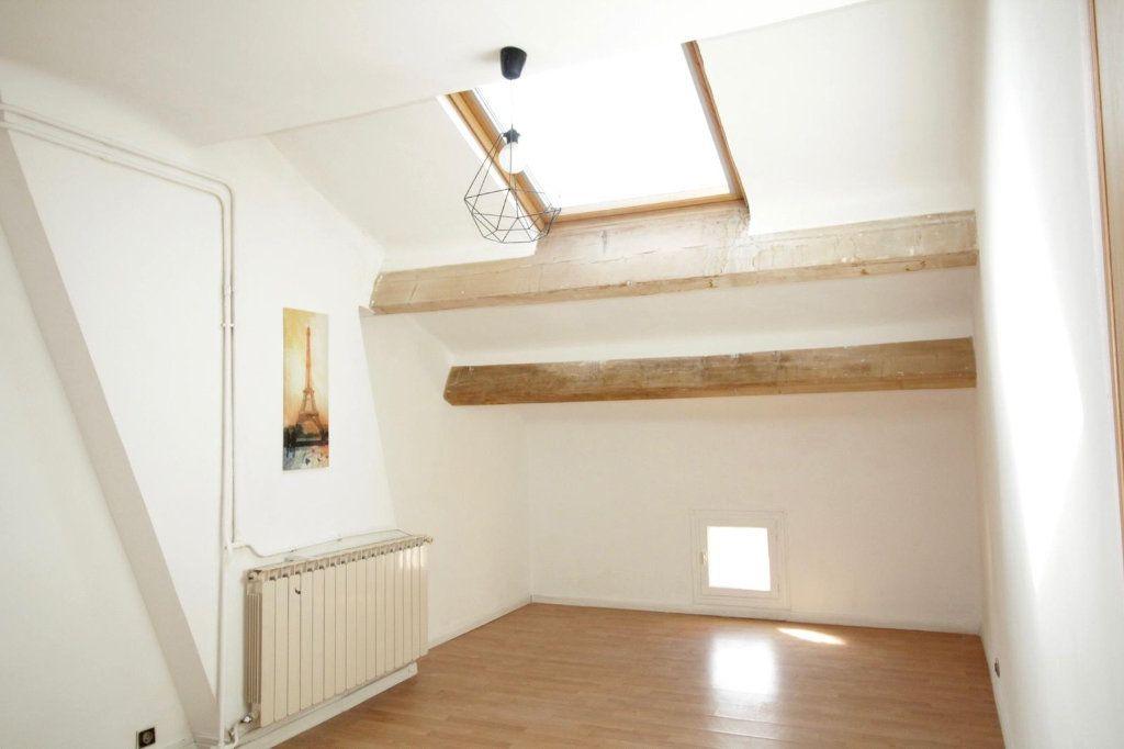 Appartement à louer 3 68.4m2 à Toulon vignette-2