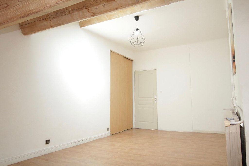 Appartement à louer 3 68.4m2 à Toulon vignette-3