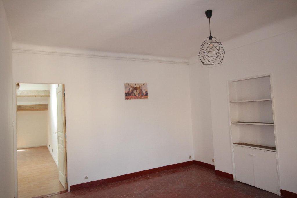 Appartement à louer 3 68.4m2 à Toulon vignette-4