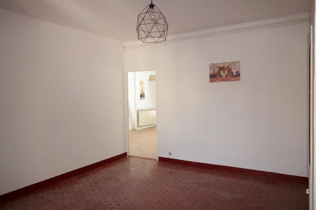 Appartement à louer 3 68.4m2 à Toulon vignette-6