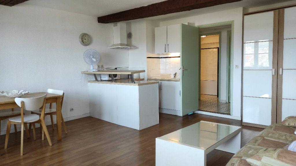 Appartement à louer 1 33.73m2 à Toulon vignette-2