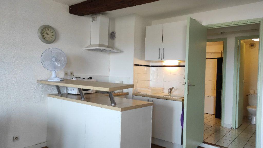 Appartement à louer 1 33.73m2 à Toulon vignette-8