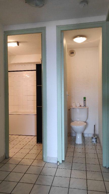 Appartement à louer 1 33.73m2 à Toulon vignette-11