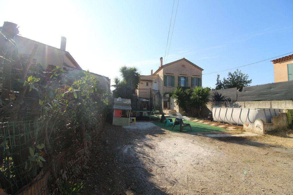 Appartement à vendre 3 51m2 à La Seyne-sur-Mer vignette-2