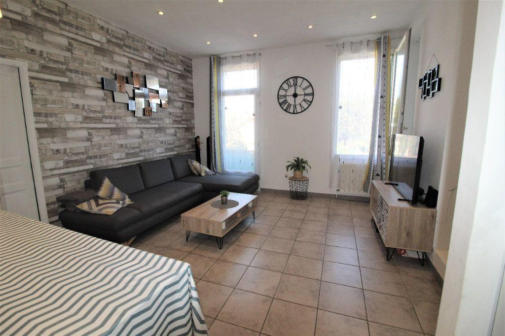 Appartement à vendre 3 51m2 à La Seyne-sur-Mer vignette-3