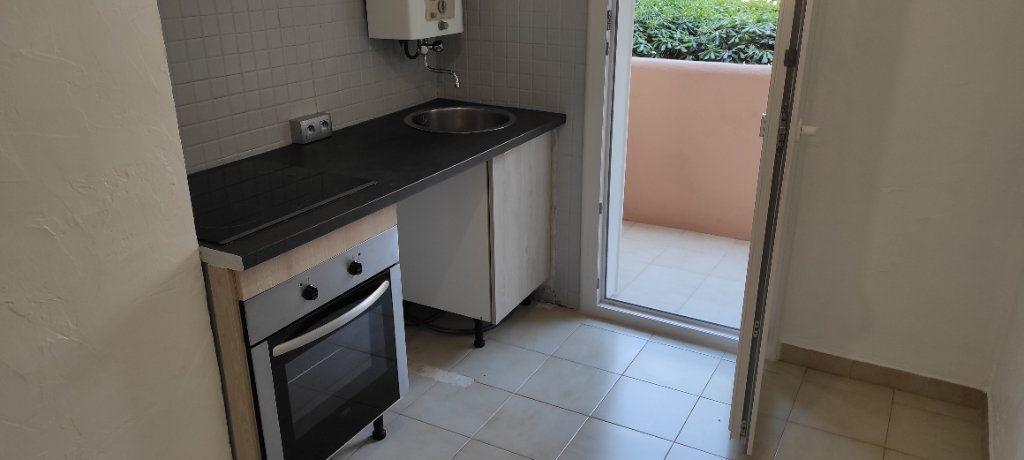 Appartement à louer 2 41.8m2 à Toulon vignette-3