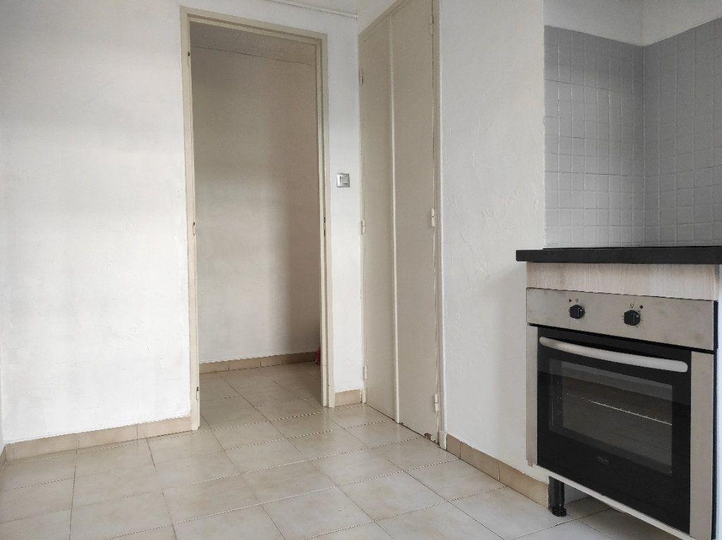 Appartement à louer 2 41.8m2 à Toulon vignette-5