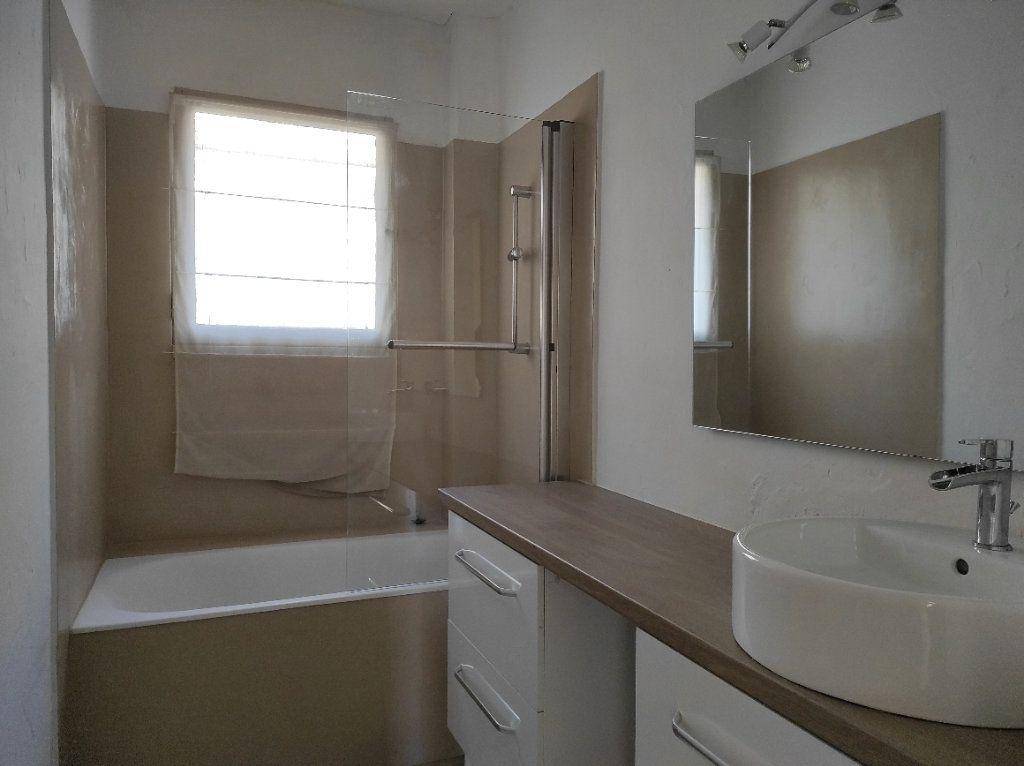Appartement à louer 2 41.8m2 à Toulon vignette-6