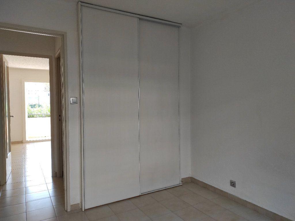 Appartement à louer 2 41.8m2 à Toulon vignette-9