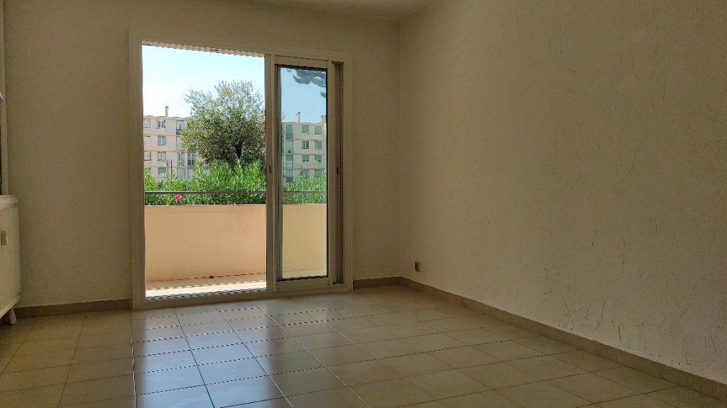Appartement à louer 2 41.8m2 à Toulon vignette-11