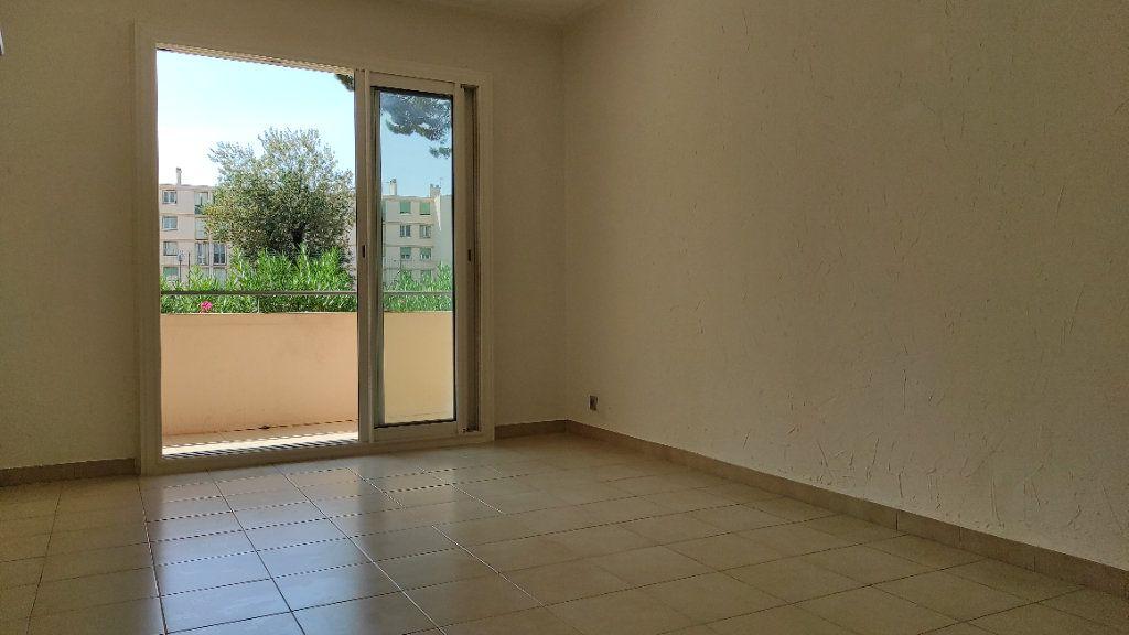 Appartement à louer 2 41.8m2 à Toulon vignette-12