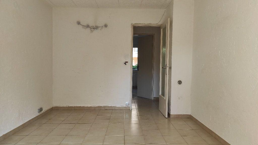 Appartement à louer 2 41.8m2 à Toulon vignette-13