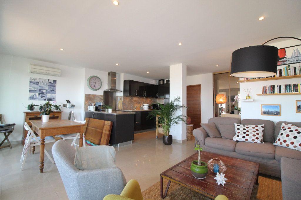 Appartement à louer 2 54.17m2 à Toulon vignette-2