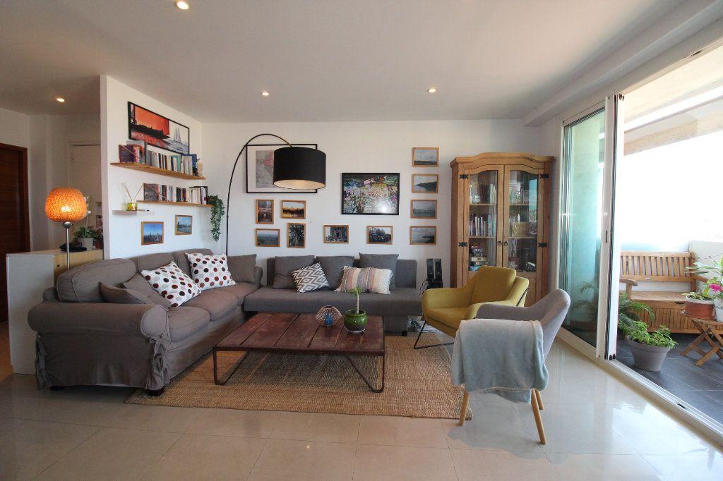 Appartement à louer 2 54.17m2 à Toulon vignette-4