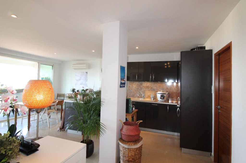 Appartement à louer 2 54.17m2 à Toulon vignette-6