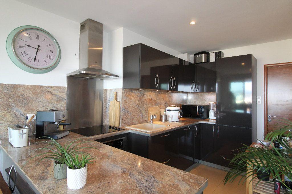 Appartement à louer 2 54.17m2 à Toulon vignette-7