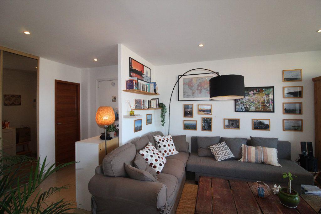 Appartement à louer 2 54.17m2 à Toulon vignette-11