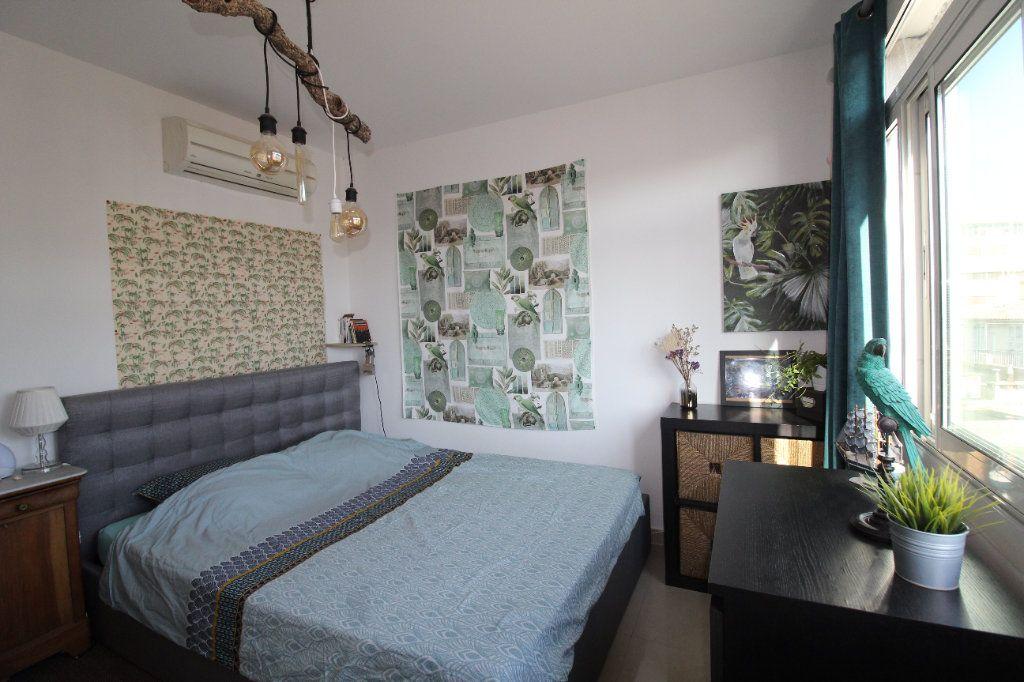 Appartement à louer 2 54.17m2 à Toulon vignette-13