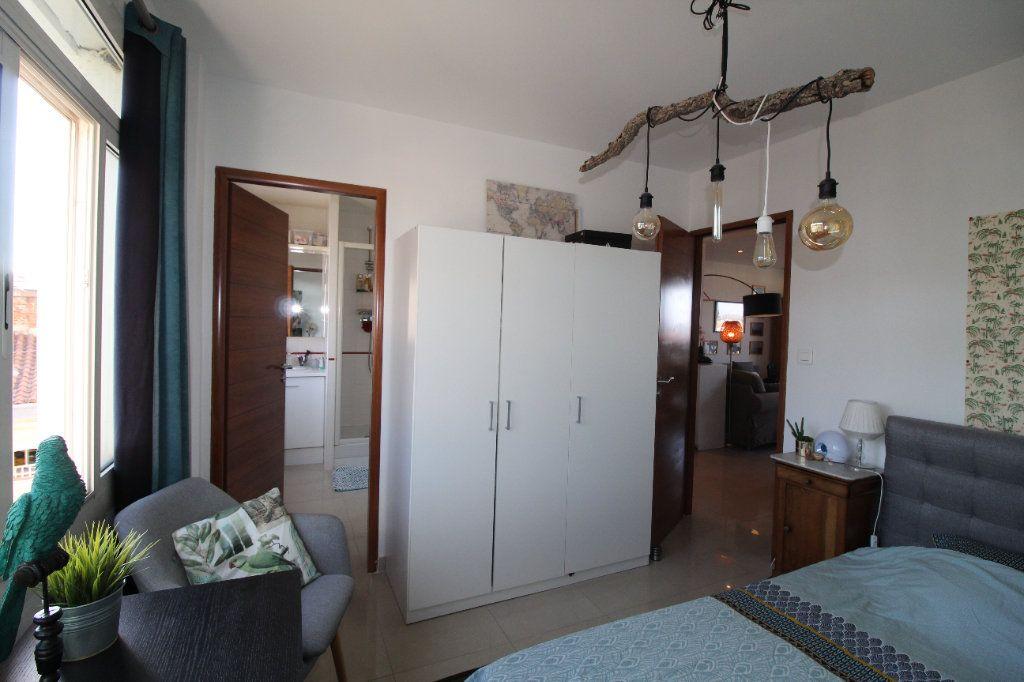 Appartement à louer 2 54.17m2 à Toulon vignette-14