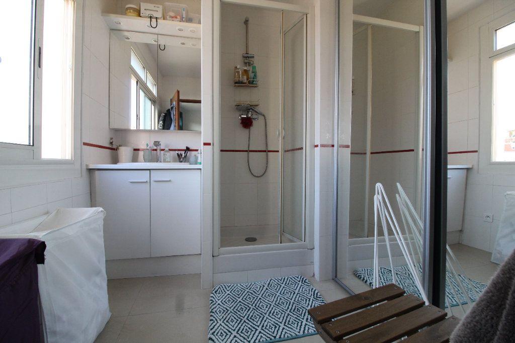 Appartement à louer 2 54.17m2 à Toulon vignette-15
