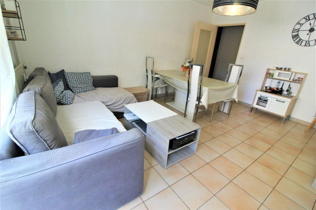 Appartement à vendre 3 60.57m2 à Toulon vignette-1