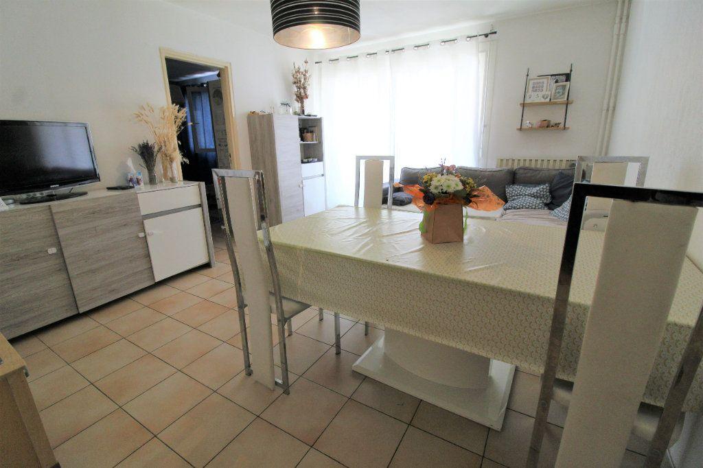 Appartement à vendre 3 60.57m2 à Toulon vignette-2