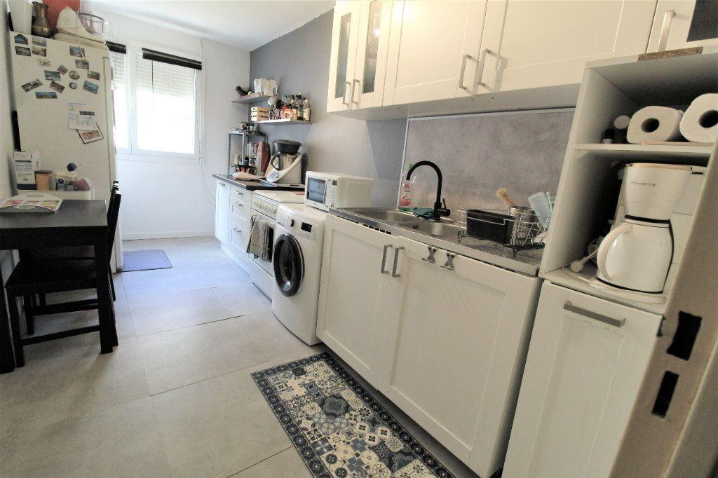 Appartement à vendre 3 60.57m2 à Toulon vignette-4