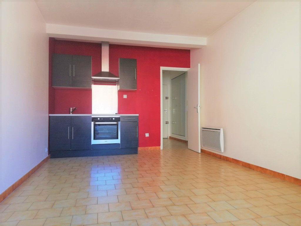 Appartement à vendre 3 45m2 à Toulon vignette-3