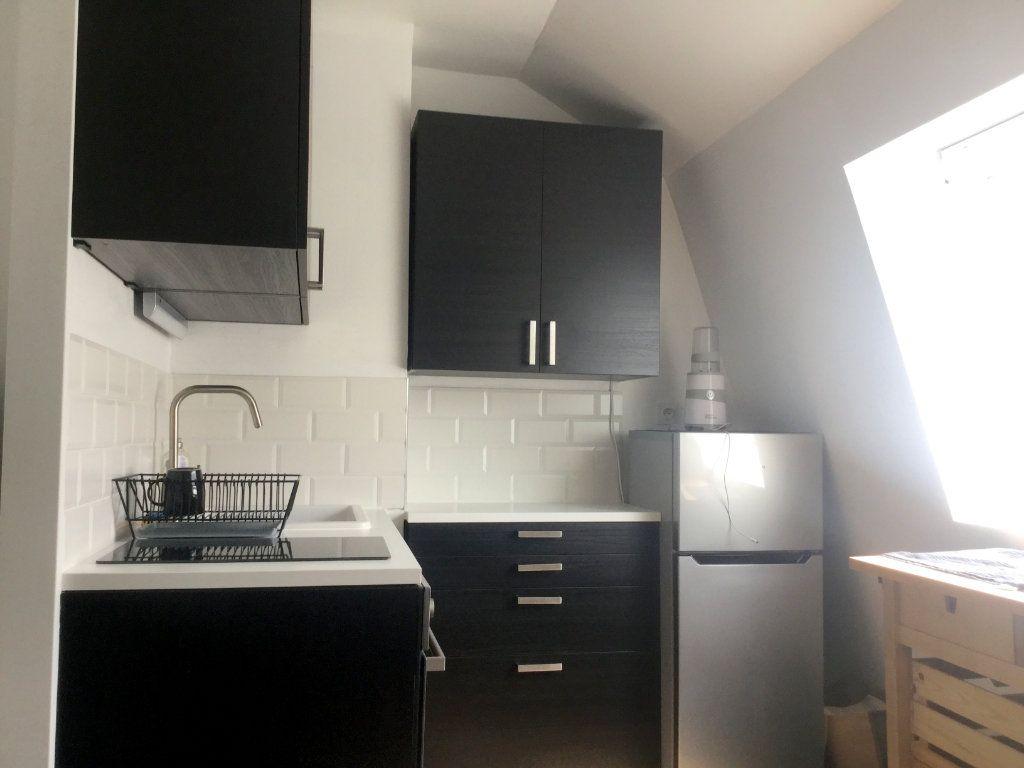 Appartement à louer 1 22m2 à La Madeleine vignette-2